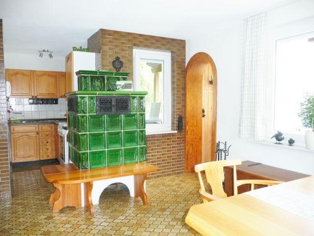 Kachelofen  im Essbereich / Küche