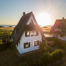 Traum-Ferienhaus der Extraklasse in 1. Reihe zur Ostsee, mit ...