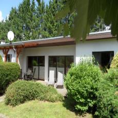 Schönes gemütliches Ferienhaus mit Garten, umgeben von Nat ...