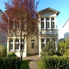 Hochwertige Ferienwohnung in Villa am Dünenwald