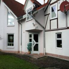 Komfortables Ferienhaus mit großem Garten, Zaun, Kamin, WLA ...